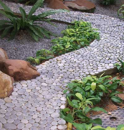 Gravel-in-your-small-garden