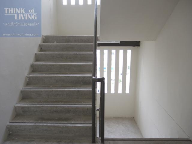 8 condo u y2nd floor walkway2