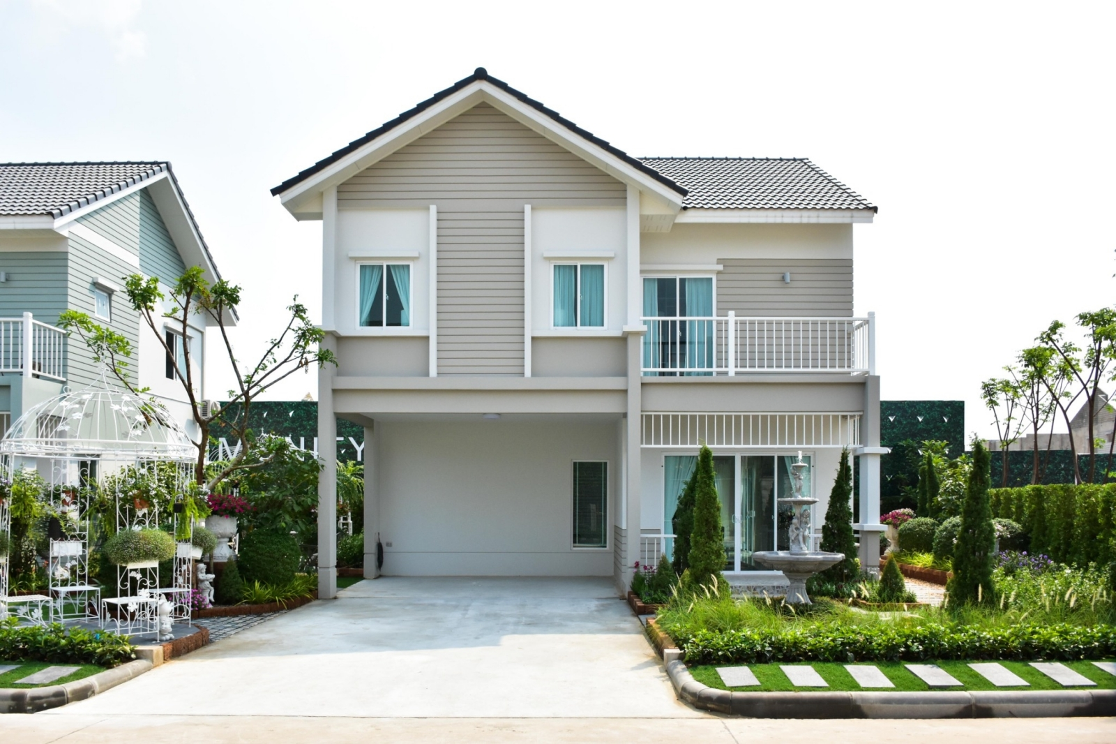 พาชมบ้านตัวอย่างแบบใหม่ Iconature พระราม 2 – เทียนทะเล บ้านเดี่ยว 2 ชั้นในซอยเทียนทะเล 19 จาก Prinsiri